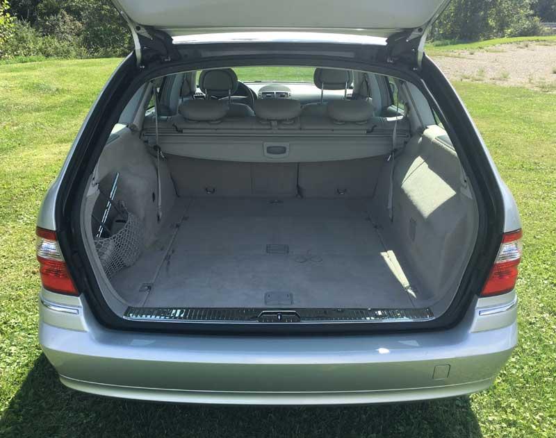 2006-Mercedes-E350-Wagon-Interior-rear