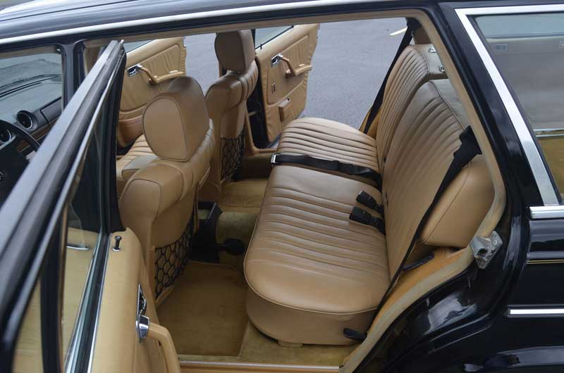 Mercedes-W123-300-TD-wagon-turbodiesel-Interior-back-seat